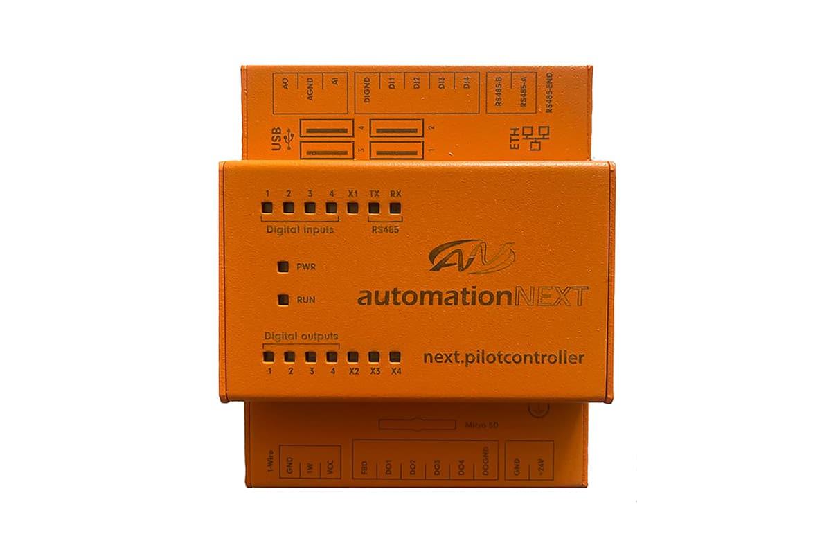 Produkte, Gebäudetechnik, Gebäudeautomation, Gebäudesteuereinheit, Automation next, next.pilotcontroller, Farbe orange, Hintergrund weiß