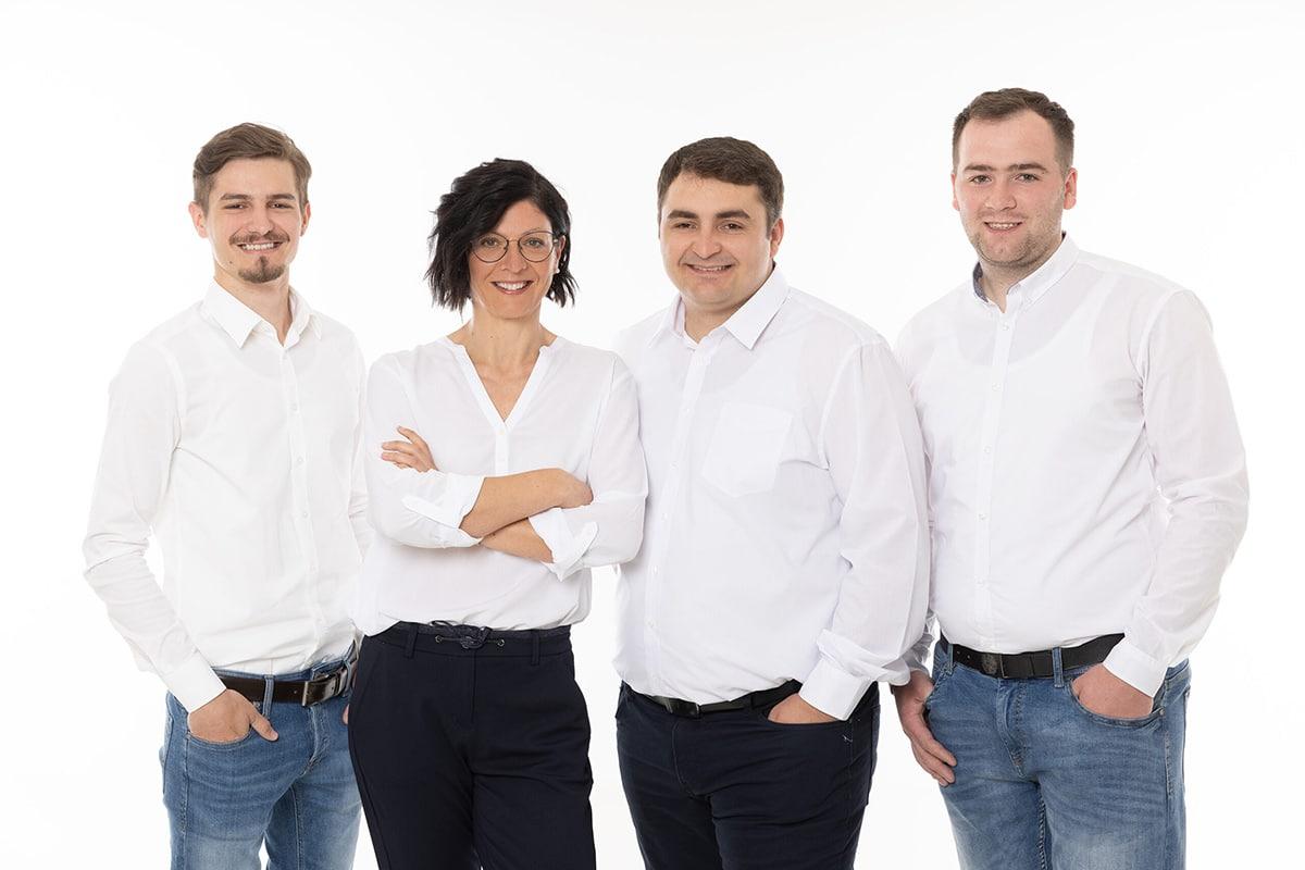 Unser Team, IMBS GmbH, Teamfoto, Markus Smerica, Michaela Ruck, Beniamin Aitonean, Daniel Vasiu